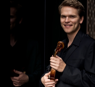 Mads Tolling (violin)