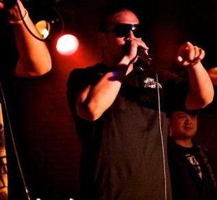 Nik-Nak (vocals)