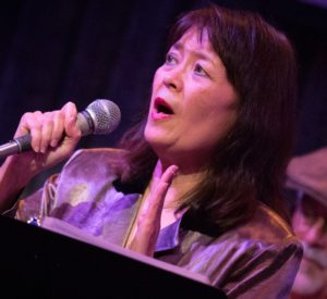 Lizette d'Almeida (vocals)